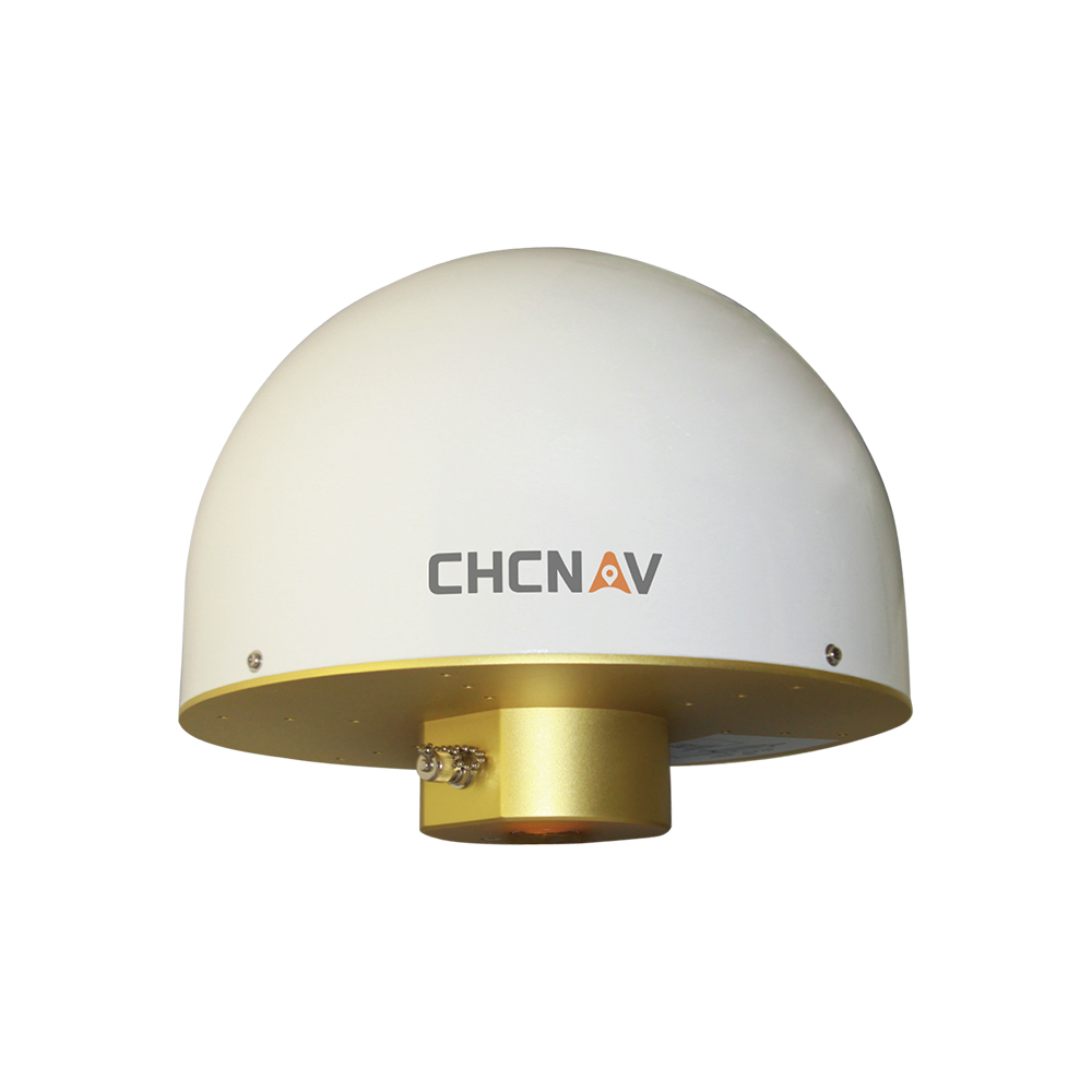 華測導航C220GR 3D扼流圈天線_采用四饋點微帶天線技術