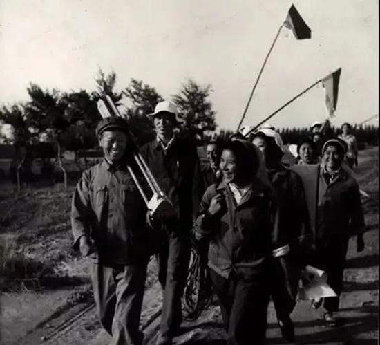 60年代,支援祖国边疆建设的测绘队