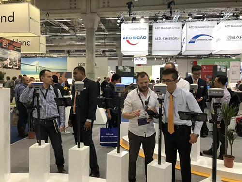 华测导航参加InterGeo2018年展会,无人机、精准农业、数字施工和水下地形测量等展品吸引了大批客户问询