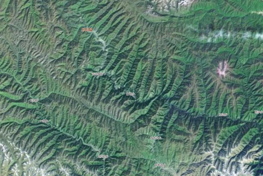 無人機現場勘查班瑪縣地貌