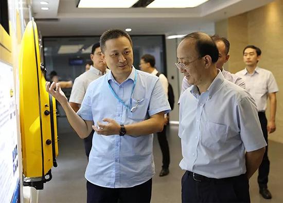 上海市科委主任張全一行到訪華測導航